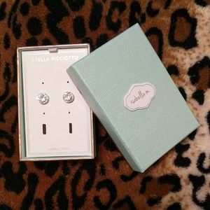 Isabella m. Sterling Silver Studs.